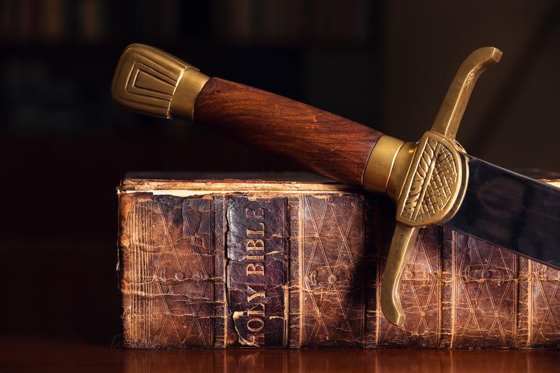 Raamattu ja miekka
